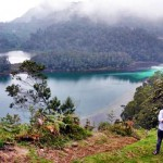 telaga warna dieng via @FirstaDYI
