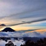 Bukit Sikunir Dieng via @EsterSFSibarani