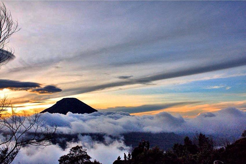 Bukit Sikunir Dieng via EsterSFSibarani — Wisata Dieng ...