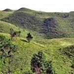 bukit teletubies di gunung prau