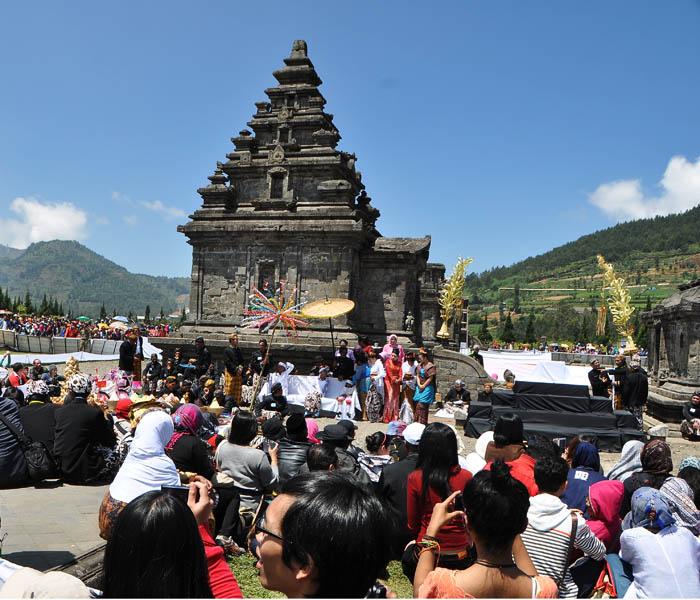komplek Candi Arjuna ketika Festival Dieng